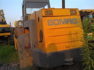 дорожный каток BOMAG BW217D